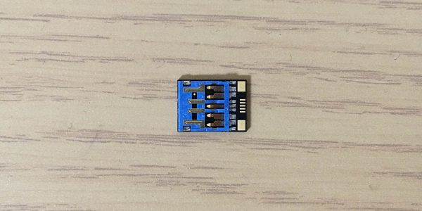 東芝 USBメモリー U364 32GB THN-U364W0320A4 USB端子